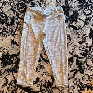 Grey and white active leggings capris with pocket